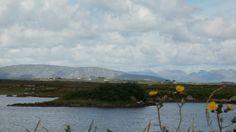 wunderschoenes Irland - B & B - Gaestezimmer bei privaten Leuten auf der gruenen Insel -   moira.eccuill@gmail.com Irish Cottage, Connemara, Mountains, Nature, Travel, Ireland, Island, Nice Asses, Voyage