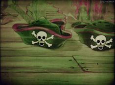 Cartoon Gifs, Skull Art, Colorful Pictures, Favorite Holiday, Pirates, Horror, Dragon, Animation, Halloween
