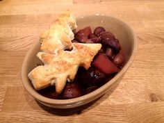 Diary of a Sauce Pot: Have yourself a veggie little Christmas… Rachael's Recipes - Mixed Mushroom & Chestnut Pie