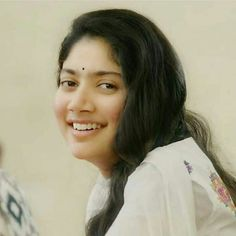 Sai Pallavi Hd Images, Indian Women Painting, Hema Malini, She Movie, Beautiful Indian Actress, Woman Painting, Hd Photos, Indian Actresses, Dancer
