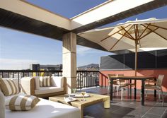 Top terrace | They have large terraces appointed with furniture for relaxing in the warm summer nights.