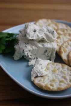 Cashew Cream Cheese with Chives (vegan)