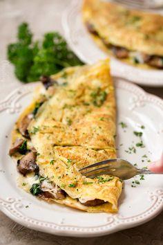 Healthy Omelette, Breakfast Omelette, Veggie Omelette, Healthy Breakfast Recipes, Vegetarian Recipes, Healthy Recipes, Easy Omelette Recipe, Breakfast Ideas, Asian Recipes