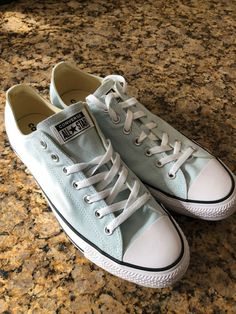 Size 8 Fashionable Patterns Good Converse Chuck Taylor All Star Low Top White Sneakers Gently Used