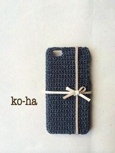 小ぶりなリボンが上品でかわいらしいiPhoneケースです。 夏素材で編んでいるので、春夏用にぴったりです!|ハンドメイド、手作り、手仕事品の通販・販売・購入ならCreema。
