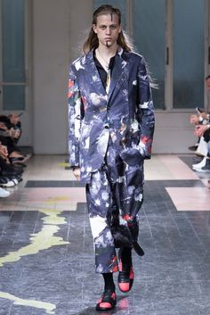 Yohji-Yamamoto-Spring-Summer-2016-Menswear-Collection-Paris-Fashion-Week-012