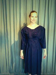 """""""escondido no vestido pode haver uma rosa azul"""" http://heroina-alexandrelinhares.blogspot.com.br/2013/06/escondido-no-vestido-pode-haver-uma.html"""