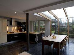 De nieuwe keuken, middelpunt van het huis.