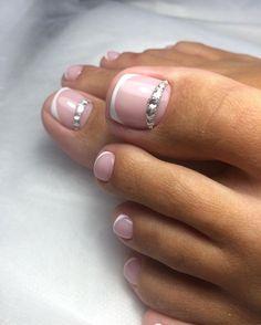 Pedicure nail designs, pedicure nails и toe nail designs. Pretty Toe Nails, Cute Toe Nails, Gorgeous Nails, Pedicure Colors, Pedicure Nail Art, Toe Nail Art, French Pedicure Designs, Cute Pedicures, Summer Toe Nails