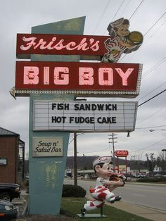 Big Boy - Milford, Ohio Frisch's Big Boy - Milford, Ohio - Love that they have not changed the sign!Frisch's Big Boy - Milford, Ohio - Love that they have not changed the sign! Restaurant Signs, Vintage Restaurant, Dayton Ohio, Cleveland Ohio, Fosse Commune, Big Boy Restaurants, Vintage Neon Signs, Neon Nights, Old Signs