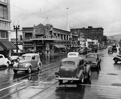 Oakland, CA - Telegraph Avenue and 19th Street circa 1941. (Mose L. Cohen / Oakland Tribune Staff Archives).
