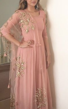 ( ・・・ Mehndi ready 💕 pearl and pink love from my favourite Indian Gowns, Indian Attire, Indian Ethnic Wear, Indian Wedding Outfits, Indian Outfits, Indian Clothes, Anarkali Dress, Lehenga, Indian Designer Outfits