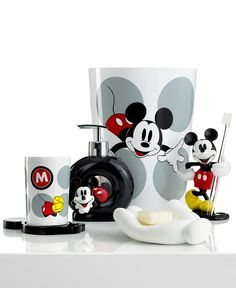 The ever-lovable Mickey Mouse steals the show in this classic bath accessories collection from Disney for a playful addition to your kids' bathroom.