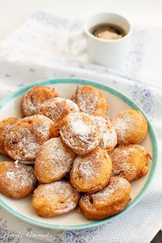 Sweets Recipes, Cooking Recipes, Jacque Pepin, Romanian Food, Sweet And Salty, Pretzel Bites, Greek Yogurt, Doughnut, Deserts