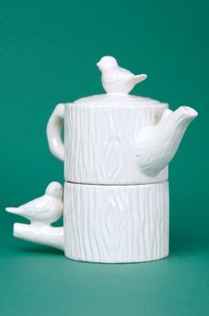 Tea for one bird teapot: A simple and sweet gift for a avid cuppa lover.