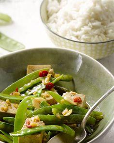 Tofu weinig smaak? Dan heb je dit gerechtje nog niet geprobeerd! Ondek hoe lekker de Aziatische vegetarische keuken kan zijn.