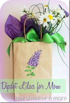 How to paint lilacs using 'dipdots' for great Mother's Day presents! Fun kids craft too!