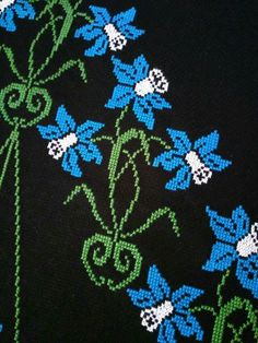 Cross Stitch Rose, Cross Stitch Flowers, Cross Stitch Charts, Cross Stitch Designs, Cross Stitch Embroidery, Cross Stitch Patterns, Needle And Thread, Blackwork, Needlework