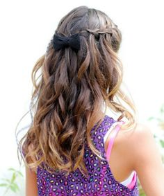Romantic Hairstyles for Women ideas for their wedding days are available here. Try these Romantic Hairstyles for Women and make your men feel special. 2 Braids Hairstyles, Shaved Side Hairstyles, Romantic Hairstyles, African Hairstyles, Weave Hairstyles, Hairstyles Videos, Hairstyles 2018, Medium Hair Styles, Wedding Hairstyles