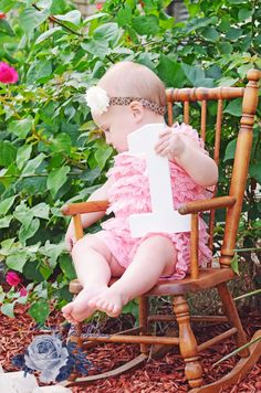 Under the Sun Photography » Ainsley is turning the big 1 !