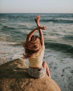 🌟la vie est belle🌟 life is beautiful summer pictures, beach pictures, travel Summer Pictures, Beach Pictures, Photo Portrait, Portrait Photography, Lifestyle Fotografie, Photographie Portrait Inspiration, Photos Bff, Poses Photo, Beach Poses