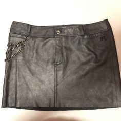 Harley Davidson leather skirt Size 12 Harley Davidson Genuine Leather skirt with chain. Gently used, like new. Harley-Davidson Skirts Mini