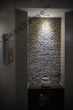 Dekoracyjny kamień na ściany Kuta White 10x30 od Lux4home™. Na co zwrócić uwagę? Nie widać łączeń i nie trzeba fugować. Jest piękny...