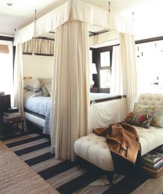 Black walls with lots of neutrals + natural light do not overwhelm the guest bedroom of Designers Mark Sikes + Michael Griffin for House Beautiful Dec/Jan 11 ~~~ Beautiful Bedrooms, Beautiful Homes, House Beautiful, Beautiful Things, Home Bedroom, Bedroom Decor, Bedroom Ideas, Dream Bedroom, Design Bedroom