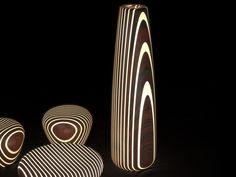 Lámpara de pie LED de madera maciza Colección Bright Woods by LUXYDE | diseño Giancarlo Zema