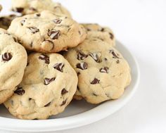 Soft Chocolate Chip Cookies | Kirbie's Cravings | A San Diego food blog Recipe adds vanilla pudding mix to keep them soft.