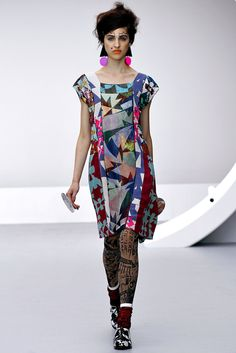 Louise Gray Spring 2013 Ready-to-Wear Fashion Show - Lida Fox