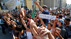Read the following article papers on Migrant Crisis: Hundreds of Immigrants Protest Train Station Ban in Hungary