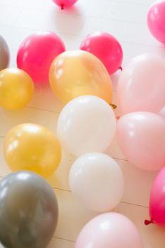 die besten 25 ballongirlande ideen auf pinterest balkon deko babyparty ballon ideen und. Black Bedroom Furniture Sets. Home Design Ideas