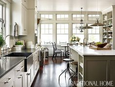 Traditional country kitchens are a design option that is often referred to as being timeless. Over the years, many people have found a traditional country kitchen design is just what they desire so they feel more at home in their kitchen. Low Country Homes, Country Kitchen, New Kitchen, Kitchen Dining, Kitchen Decor, Kitchen Ideas, Kitchen Designs, Kitchen Counters, Awesome Kitchen