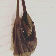 ✴️☮️✴️ #lumibag #hobobag #shopper  #stofftasche #design #shoulderbag #selbstgemacht #handmade #withlove #bag #tasche #diy #nähen #sew #sewing #individual *www.lumiqi.com* Shopper, Dory, Hobo Bag, Shoulder Bag, Photo And Video, Handmade, Design, Bags, Instagram