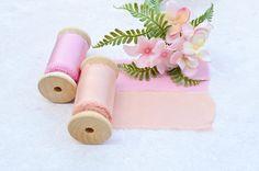 Sieh dir dieses Produkt an in meinem Etsy-Shop https://www.etsy.com/de/listing/533777486/pink-silk-ribbon-hand-dyed-silk-ribbon-2