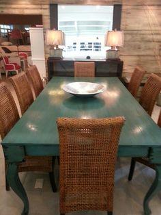 Mesa verde sillas mimbre