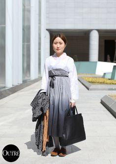 lamodeoutre:   At Seoul Fashion Week… Minji Kim Neckdi