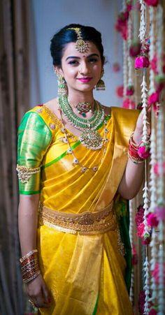 17 Super Ideas How To Wear Necklaces Blouses Bridal Silk Saree, Saree Wedding, Silk Sarees, Wedding Blouses, Kanjivaram Sarees, Indian Sarees, Dress Wedding, South Indian Bride, Indian Bridal