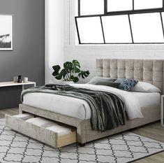 Funcționalitate și estetică pentru dormitor.  #mobexpert #paturitapitate #reduceri #dormitor #mobilierdormitor My Room, Living, Room Decor, Decorating Ideas, Furniture, Design, Houses, Cozy Apartment