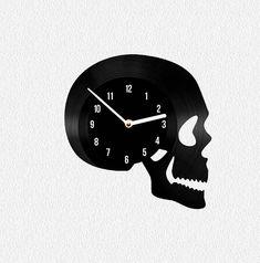 Vinyl clock Skull