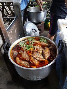 Bang Nam Phueng Floating Market by Thailand Photo Blog, via Flickr