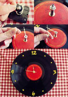 Ideias para reciclar discos de vinil - relógio Coleção De Discos De Vinil,  Relógio Cozinha 90b46e255a