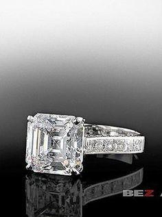 Bez Ambar Asscher cut diamond in quadrillion mounting.#engagementring #weddings…
