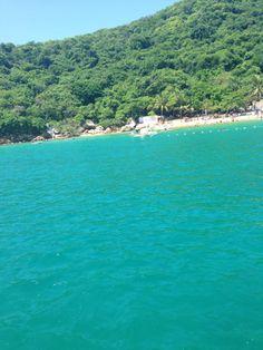 es un lugar tranquilo ideal para realizr buceo y snorkel