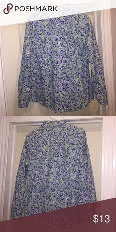 Old Navy Floral Shirt Floral button down shirt in excellent condition only wore once.  Feature small pocket on left side and it's extra lightweight perfect for summer weather. Old Navy Tops Button Down Shirts