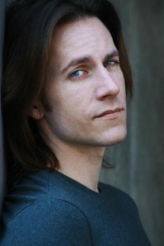 Bae of the Week Matt MercerMatthew Christopher Miller, known professionally as Matthew Mercer or Matt Mercer, is an American voice actor. Attractive People, Voice Actor, Most Beautiful Man, Beautiful People, You Funny, Amazing Quotes, Resident Evil, Funny Images, Drake