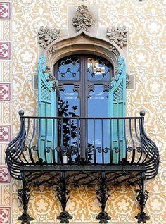 Photos Blend of Architecture with Art Nouveau. Art Nouveau focuses more on the concept of und…