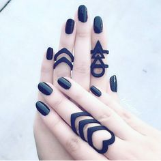 Takin' it back to Matte Black! ✖ is werkin her 'Hunt' and 'Rune' Hand Jewelry, Cute Jewelry, Jewelry Accessories, Jewelry Design, Chrome Nails, Tattoos For Women Small, Black Rings, Back Tattoo, Alternative Fashion