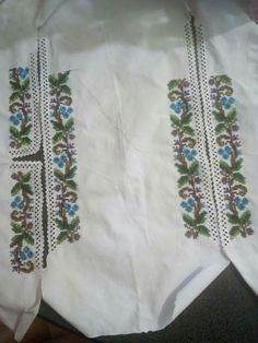 Floral Tie, Traditional, Handmade, Accessories, Fashion, Embroidery, Moda, Hand Made, Fashion Styles
